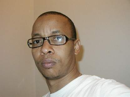 Cliché d'un Africain singulier qui parle en sénégalais: Souleymane Jules DIOP.