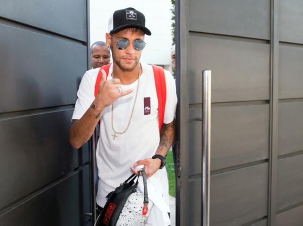Neymar tranche enfin entre Messi, Cristiano Ronaldo et lui-même !