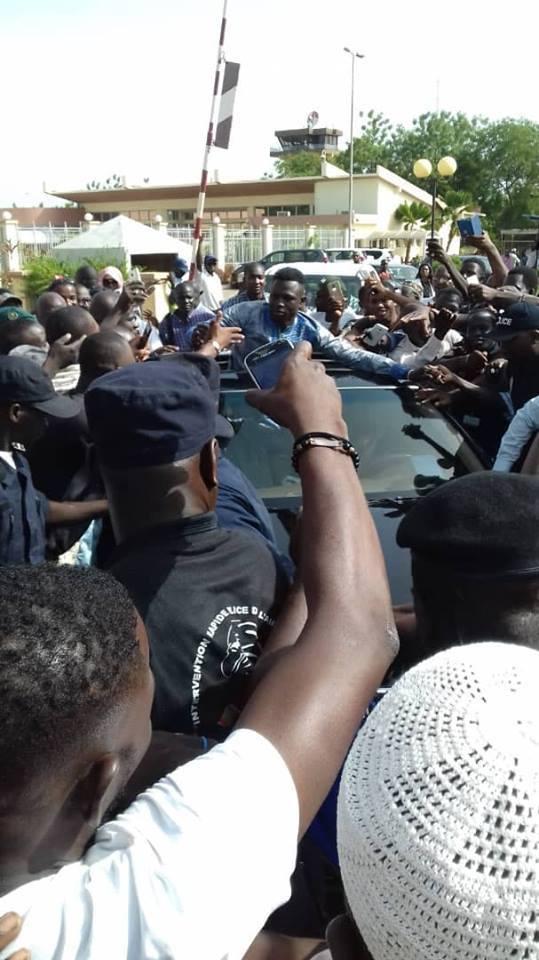 Photos: Mamoudou Gassama accueilli en héros à Bamako