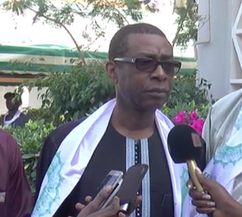 """Diffusion de la Coupe du Monde : la RTS dénonce les propos """"irrévérencieux et irresponsables"""" de Youssou Ndour et menace"""