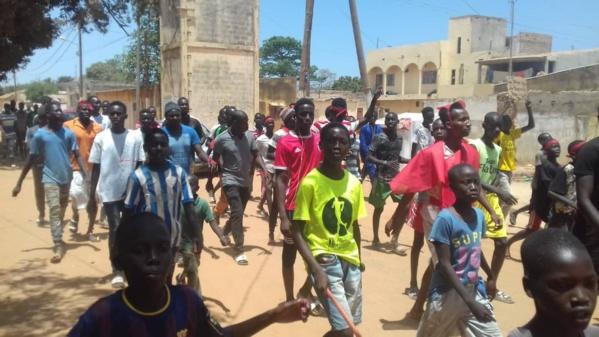 Photos Sébikotane: Les images des échauffourées entre les jeunes de l'ASC Darou Salam et l'usine SENAC