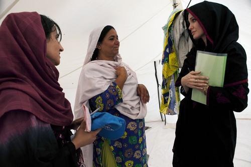 Angelina Jolie au Pakistan à la rencontre des sinistrés