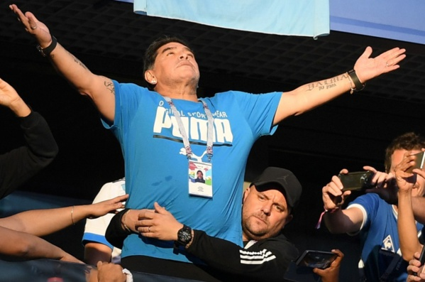"""""""Vous avez l'impression que je suis mort ?"""" Maradona l'assure: """"il n'a jamais été aussi bien"""""""