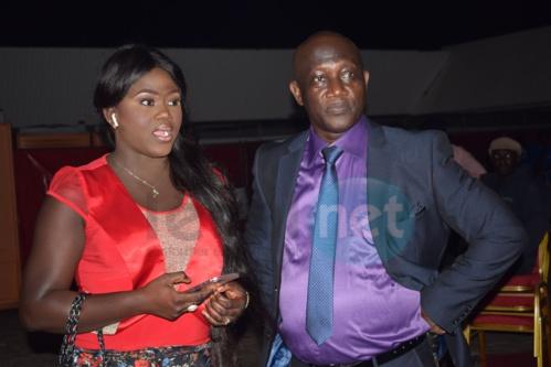Thioro Mbar Ndiaye toute ravissante avec son papa au concert de Youssou Ndour