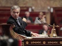 En France, le Parlement vote l'interdiction du port du voile intégral dans l'espace public
