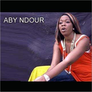 INSOLITE  : Aby Ndour saccage le véhicule de son mari