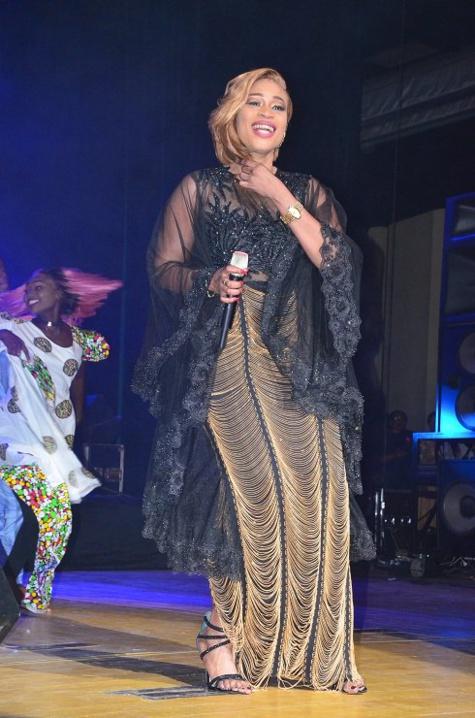 "Photos : Quand Aïda Samb concurrence sa ""badiène"", Viviane avec ses robes, regardez"
