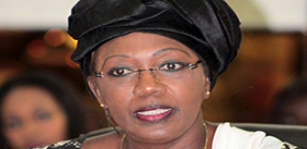 Conseil économique, social et environnemental : Aminata Tall met en vente ses vieilles voitures