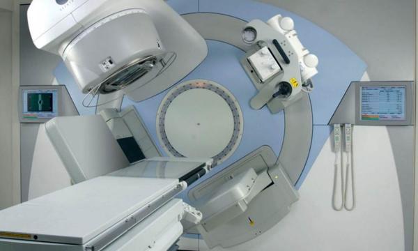 Le nouvel appareil de radiothérapie de l'hôpital Le Dantec en panne à cause d'un court-circuit