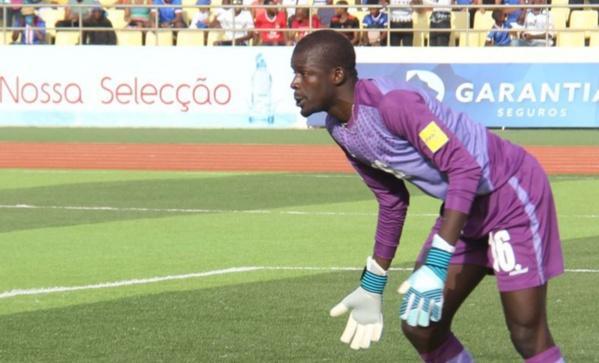 Khadim Ndiaye, un vrai K, un gardien qui ne peut relancer ni du pied ni de la main est loin du haut niveau…