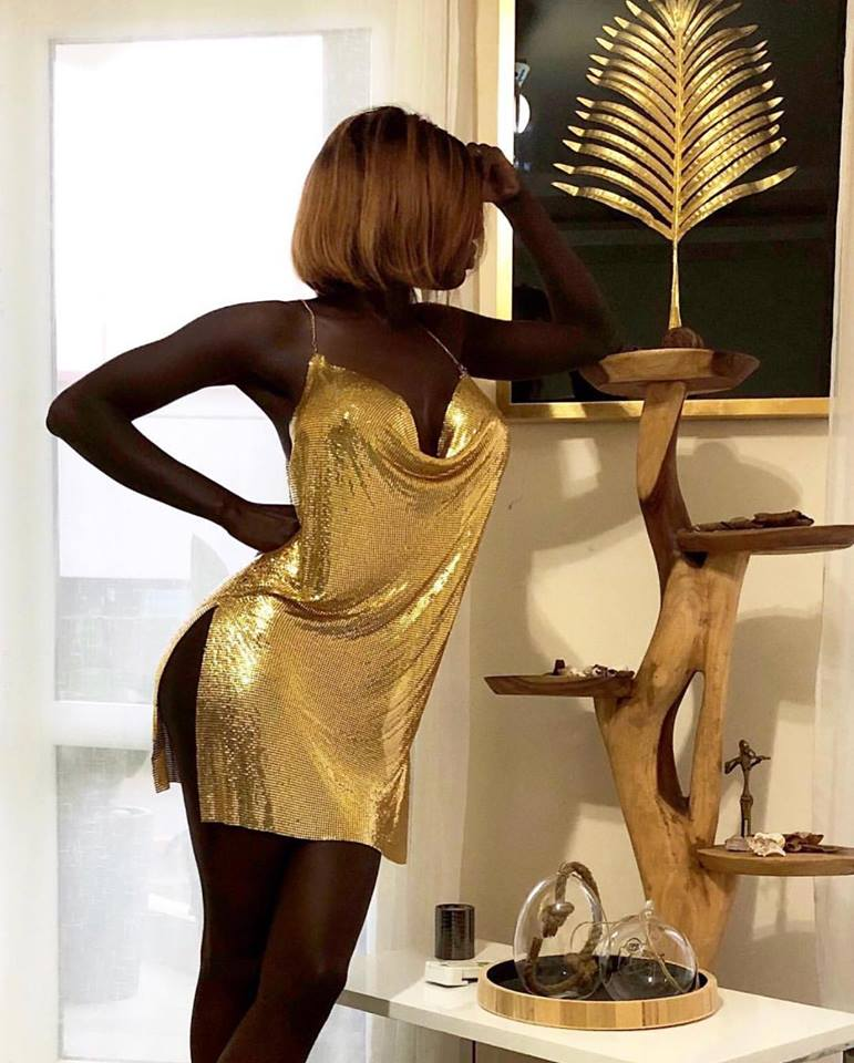 08 PHOTOS - Ebene Diop, une noirceur d'ébène qui enflamme les réseaux sociaux avec ses clichés