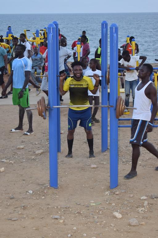 10 photos : Les Sénégalais en mode sport fitness sur le parcours sportif de la Corniche de Dakar
