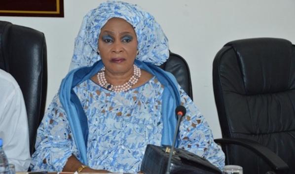 """Aida Ndiongue : """"je reste et je demeure un membre du PDS"""""""