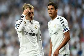 Manchester United insiste pour Kroos et espère Varane