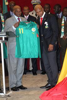 FOOT – Le retour de Diouf est devenu une affaire d'Etat: De gros bonnets de la République y travaillent