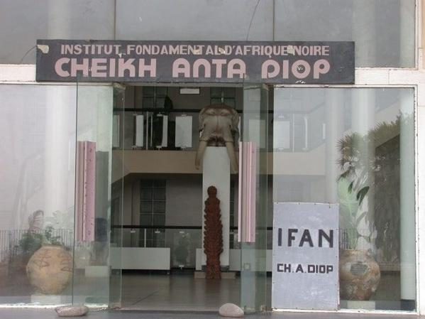 Grenade lacrymogène lancée dans un bureau de l'IFAN : le SAES dénonce et exige le respect des franchises universitaires