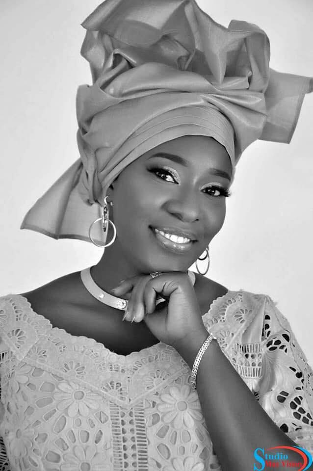 Photos: Très simple et très belle, heureux Ménage Mme Diop