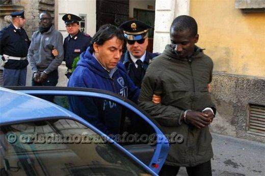 Photos : Voici les images de l'arrestation de quatre sénégalais en Italie pour vente de drogue