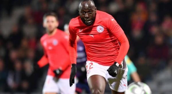 Sada Thioub buteur contre l'OM (Nîmes 3-1 Marseille)