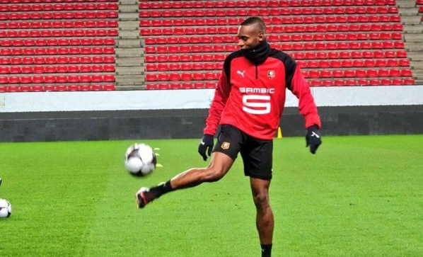 Rennes : Diafra Sakho hué par les supporters Rennais !