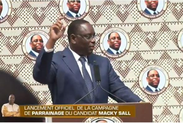 Macky Sall moque de l'opposition « s'ils veulent, je les invites au palais à manger, boire et à …