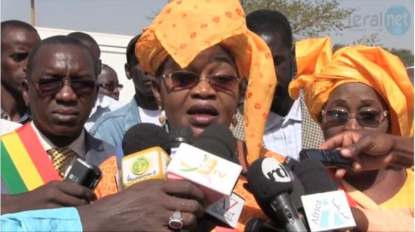 Aida Mbodj outrée par la danse de Macky Sall:« je ne peux pas me permettre de danser, regardant les Sénégalais souffrir »