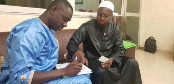 Campagne de collecte de Signatures : Le chanteur pape Diouf parraine Macky Sall et explose la toile