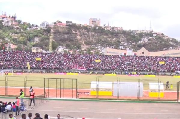 Au moins un mort et 37 blessés dans une bousculade avant le match Madagascar-Sénégal