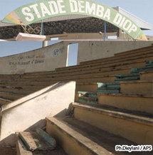 La tribune découverte de Demba Diop menace de tomber en ruine