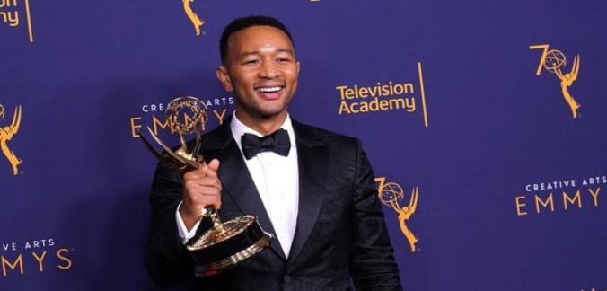 """John Legend, devient le premier homme noir à réaliser cet exploit """"surréaliste"""""""