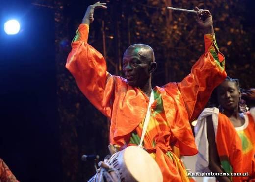 Doudou Ndiaye Rose remercie son Dieu