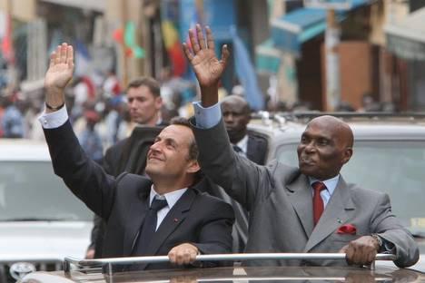 """Wade juge l'avion que Sarkozy veut lui vendre à 35 millions d'euros """"trop cher"""""""