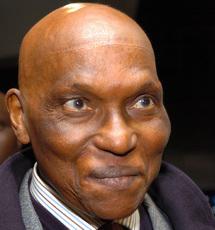 L'OPPOSANT WADE AVAIT PUBLIE SON BULLETIN MEDICAL EN 2000 Le Président Wade refuse de le faire