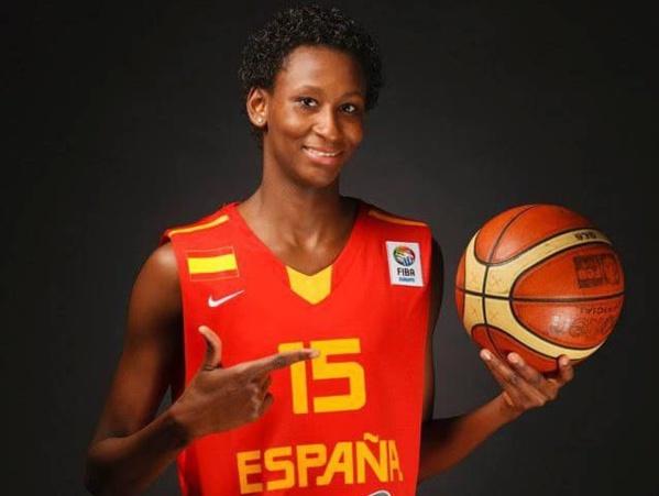 Astou Ndour : « Pourquoi je joue pour l'Espagne plutôt que pour le Sénégal »
