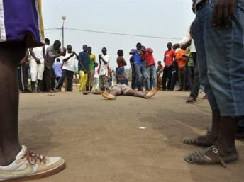 Fusillade meurtrière dans une banlieue d'Abidjan