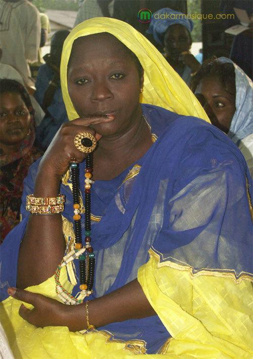 Bloquée à la porte de la Résidence Khadimou Rassoul par les policiers : Soda Mama Fall tirée d'affaire par un mara