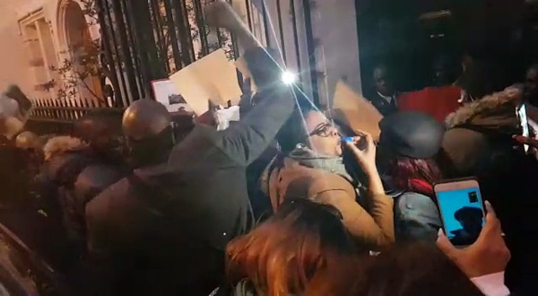 Paris Bercy: Le film de la bataille rangée entre opposants sénégalais et militants du pouvoir