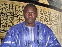Taïb Socé enseigne le Coran, dirige les prières et prêche en prison