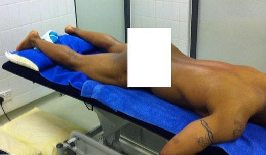 [Photo] El Hadji Diouf se fait photographier nu et envoie les photos à ses conquêtes…