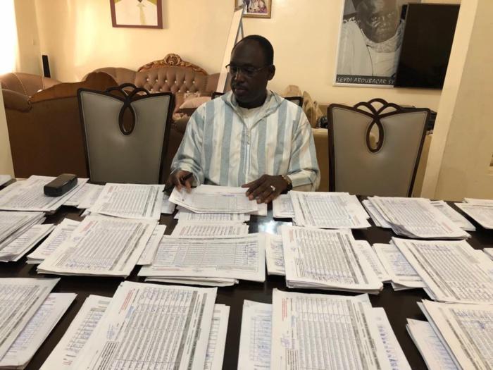 Adama Faye dépose 5500 de signatures à Grand Yoff pour le président Macky Sall chez le ministre de l'Economie des finances et du plan Amadou Ba