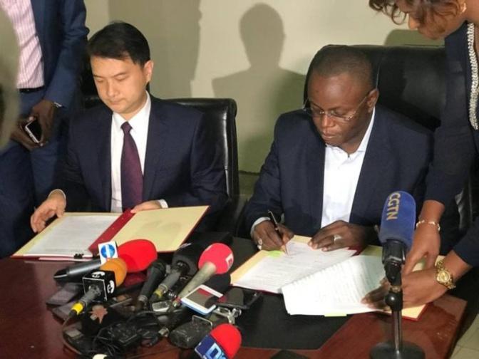 Réhabilitation de 4 stades : le Sénégal et la Chine signent une convention à coup de milliards