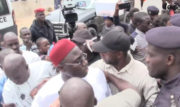 Procès Barthelémy Dias: heurts entre le maire de Grand-Yoff et un gendarme