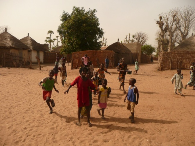 Malgré ses 6000 habitants, le village de Ngolar de la Commune de Notto ne dispose que d'une seule case de santé