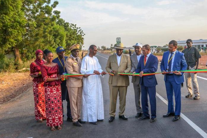"""""""Tournée économique"""" au Sénégal oriental: Macky Sall inaugure et lance des travaux du Promovilles"""