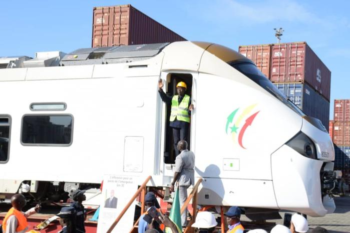 """TER: Le Premier ministre annonce le """"début de la révolution"""" du chemin de fer sénégalais"""