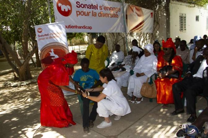 La Sonatel apporte son soutien aux enfants à mobilité réduite