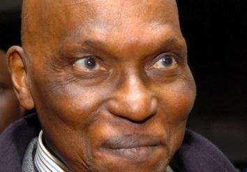 Serigne Mourtada Abdou Lahad Mbacké : « Que Dieu nous débarrasse de Wade avant 2012 »