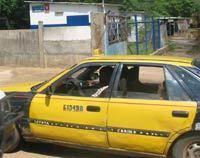 IVRE MORT A DEUX HEURES DU MATIN : Le vieux taximan range son taxi au fond du Canal 4 et perd son dentier