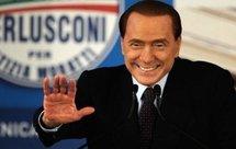 """Berlusconi aux juges: """"vous n'arriverez pas à vous débarrasser de moi"""""""