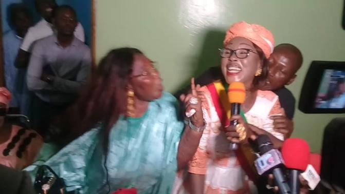 Cérémonie de lancement des travaux de réhabilitation du stade de Mbacké par le ministre Matar Bâ: Les députées Fatou Kiné Mbaye et Fatma Diop se bagarrent